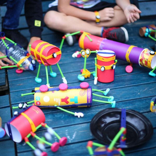 Toyi - zestawy do samodzielnego tworzenia zabawek